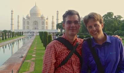 Susanne & Pierre vor dem Taj Mahal