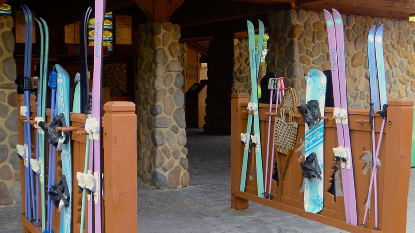 Blizzard Beach Skis & Snowboards