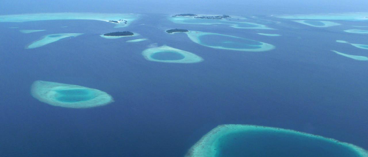 Riffe und Inseln im indischen Ozean